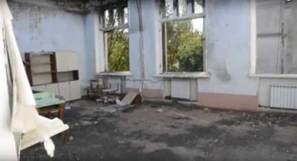 "VIDEO: ""Where Does the Region and the Whole Ukraine Look?"": in Krasnogorovka, Children Learn Directly in the Open Air in School Fired by Militants"