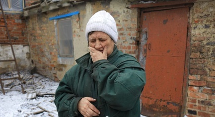 While Restoring Houses after Shelling, Residents of the Outskirts of Avdeevka Do Not Know Who of Them Will Be Lucky To Survive Tomorrow