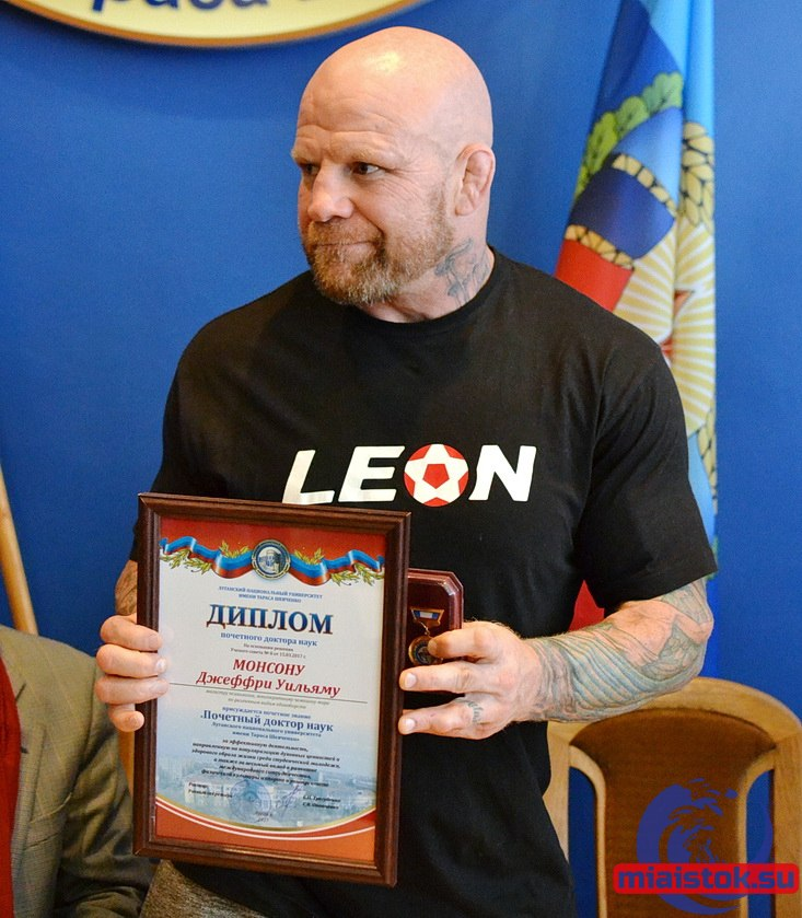 How the hell did jeff monson never get busted for roids in the ufc